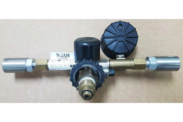 RENT AERIS HP REDUCER, C/W: 2 X RBE06 COUPLINGS AND GAUGE